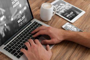 Laptopy biznesowe bez cienia wątpliwości są urządzeniami, które są w znacznym stopniu ułatwić pracę, ale również przydają się podczas wyjazdów służbowych czy spotkań biznesowych